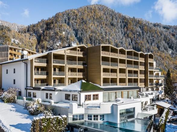 falkensteiner falkensteinerhof exterior winter viaggi preziosi slide