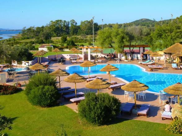 hotel airone arzachena sardegna le piscine5 1